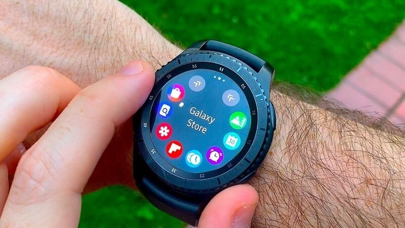 Best MP3 Player Compatible with Spotify - Samsung Gear S3